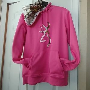 😍Browning pink and camo hoodie😍
